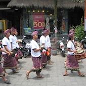 Tapınağa gidenler, Ubud, Bali