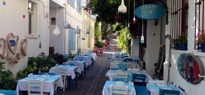 Bozcaada Sokakları ve Meyhaneleri