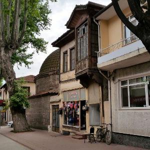 İznik Sokakları ve Hacı Özbek Camii
